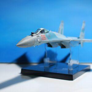 Modely letadel SU-35 . Modely tanků. Modely vojenské techniky. Sběratelské modely . Hotové modely. Kovové modely. Diecast aircraft models , military vehicles.