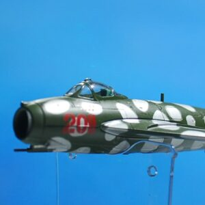 Modely letadel MIG-17. Modely tanků. Modely vojenské techniky. Sběratelské modely . Hotové modely. Kovové modely .Diecast aircraft models , military vehicles.
