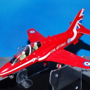 Hawk. Red Arrows . Modely letadel.Modely tanků.Modely vojenské techniky. Hotové modely. Sběratelské modely. Kovové modely .Diecast aircraft models , military vehicles.