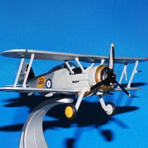 Gloster Gladiator. Modely letadel . Modely tanků. Modely vojenské techniky. Sběratelské modely . Modely vrtulníků Hotové modely . Sběratelské modely letadel. Sběratelské modely vojenské techniky a tanků. Kovové modely. Diecast models aircraft , military vehicles , tanks .