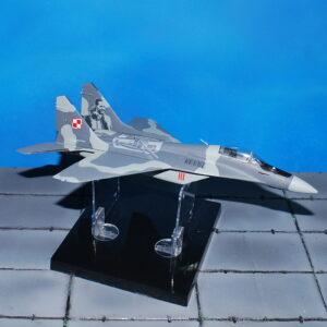 MiG-29 . Modely letadel . Modely vojenské techniky. Sběratelské modely . Modely tanků. Hotové modely . Sběratelské modely letadel. Sběratelské modely vojenské techniky a tanků. Kovové modely. Diecast models aircraft , military vehicles , tanks .