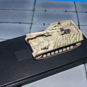 Sd.Kfz.165 'HUMMEL' . Modely tanků. Modely letadel . Modely vojenské techniky. Sběratelské modely . Modely vrtulníků Hotové modely . Sběratelské modely letadel. Sběratelské modely vojenské techniky a tanků. Kovové modely. Diecast models aircraft , military vehicles , tanks .
