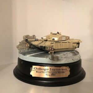 Dragon Armor DR 60197 – FV4034 Challenger 2 MBT, 'Up Grade Armor' , Royal Scots Dragoon Guards , Iraq 2003-(Diorama).Kovové modely. Diecast models aircraft ,  military vehicles , tanks .