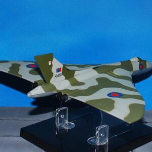 Avro Vulcan B Mk.2 . Modely letadel . Amercom . Modely vojenské techniky. Modely tanků . Sběratelské modely . Modely vrtulníků . Hotové modely . Sběratelské modely letadel. Sběratelské modely vojenské techniky a tanků. Kovové modely. Diecast models aircraft , helicopters , military vehicles , tanks .