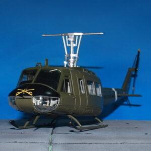BELL UH-1 Huey.UH-1 Huey.Iroquois.Modely vrtulníků.Air Force1. Modely letadel . Modely dopravních letadel. Modely vojenské techniky. Modely tanků . Sběratelské modely . Hotové modely . Sběratelské modely letadel. Sběratelské modely vojenské techniky a tanků. Kovové modely. Diecast models aircraft , helicopters , military vehicles , tanks .