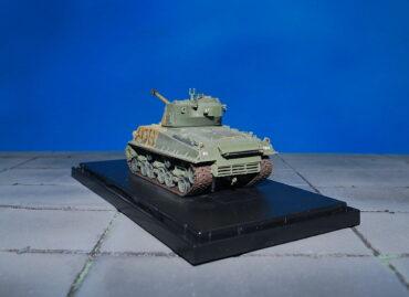 M4 Sherman.M4A3E8.Medium Tank M4 Sherman.Modely tanku.Diecast models tanks.Dragon Armor DR 60470.Modely vojenské techniky. Diecast models military vehicles. Modely aut. Diecast models cars. Modely letadel. Diecast models aircraft. Diecast models helicopters. Modely raket. Diecast models rockets. Sběratelské modely. Hotové modely. Sběratelské modely tanků. Kovové modely.