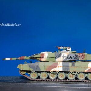LEOPARD 2 A5 Main Battle Tank.Modely tanků.Diecast models tanks.Panzerkampf PAN12172PA.Modely vojenské techniky. Diecast models military vehicles. Modely aut. Diecast models cars. Modely letadel. Diecast models aircraft. Diecast models helicopters. Modely raket. Diecast models rockets. Sběratelské modely. Hotové modely. Sběratelské modely tanků. Kovové modely.