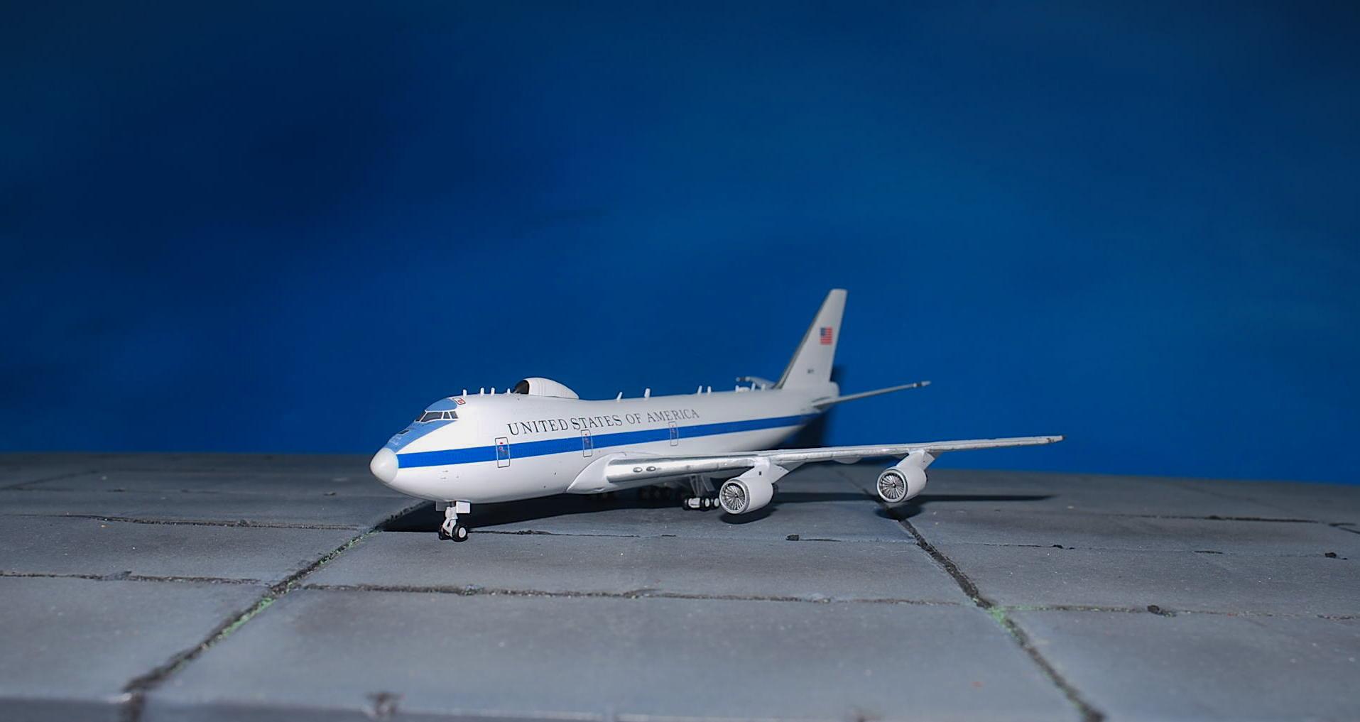 GeminiJets GMUSA083 U.S.A.F Boeing E-4B 73-1676