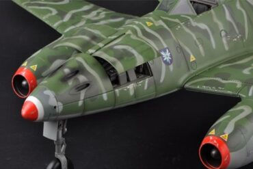 Me 262.Schwalbe.Messerschmitt Me 262 Schwalbe.Modely letadel.Diecast models aircraft.Merit International. JS International 60026.Modely vrtulníků. Diecast models helicopters. Diecast models cars. Modely vojenské techniky. Diecast models military vehicles. Modely raket. Diecast models rockets. Sběratelské modely. Hotové modely. Kovové modely.