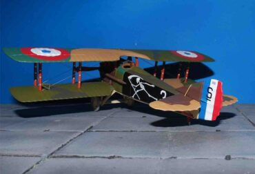SPAD XIII , '3' Pierre Marinovitch La Spa 94-Escadrille Spa 94 'The Reapers' , Youngest French Air Ace of WWI.Corgi AA37909.