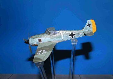 Focke Wulf Fw 190 A , '1' Otto Stammberger 4./JG 26 Luftwaffe 1943.Oxford OX- AC005.
