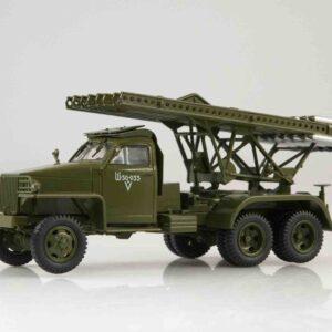 BM-13 Katyusha Rocket Launcher / Studebaker US6 U3 , Soviet Army.Avtoistoria 102521.