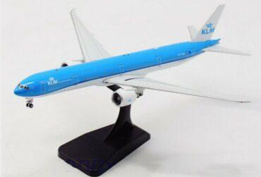 Aviation 400 AV4065 - BOEING 777-300ER , 'PH-BVA' KLM Royal Dutch Airlines