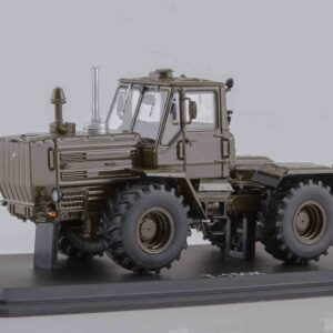 Start Scale Models SSM8014 - T-150K KhTZ Heavy Duty Tractor , Soviet Army