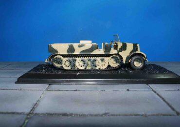 Modely vojenské techniky Sd.Kfz. 9.FAMO.Schwerer Zugkraftwagen 18 t.Half-Track.PMA / BLITZ 72 B0002 - Sd.Kfz. 9 FAMO (Schwerer Zugkraftwagen 18 t) Half Track , Wehrmacht.Modely tanků.Diecast models tanks.Modely vojenské techniky.Diecast models military vehicles.Modely aut. Diecast models cars. Modely letadel.Diecast models aircraft.Diecast models helicopters.Sběratelské modely.Hotové modely.Sběratelské modely tanků.Kovové modely.